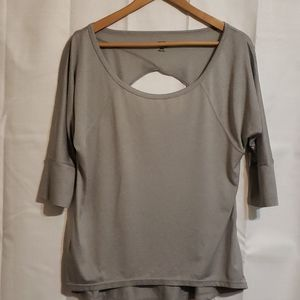 Champion 3/4 sleeve gray scoop neck top